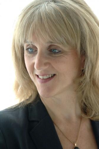 Dr Dena Michelli